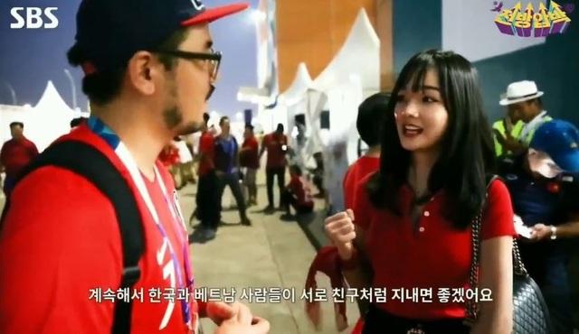 Thủy Tiên sau đó cũng gửi lời chúc và động viên Olympic Hàn Quốc thi đấu tốt ở trận chung kết