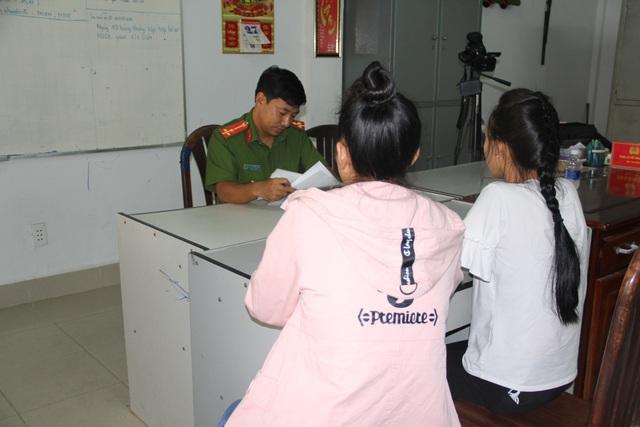 2 nạn nhân được tổ chức hỗ trợ trẻ em bàn giao cho Công an Tây Ninh