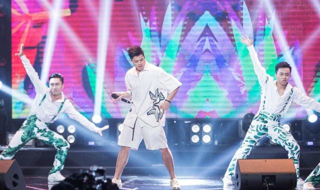 """Trong phần trình diễn solo, Trọng Hiếu đã khiến cả khán phòng bùng nổ trong ca khúc """"Green Groove"""""""