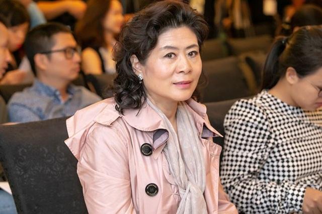 Mẹ của Lang Lang cũng có mặt tại sự kiện sáng ngày 31/8 tại Hà Nội.
