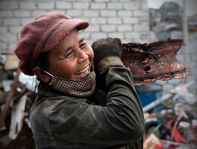 Nét đẹp phụ nữ Việt Nam trong lao động qua con mắt của Lê Bích - 3