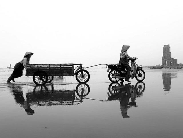 Nét đẹp phụ nữ Việt Nam trong lao động qua con mắt của Lê Bích - 5