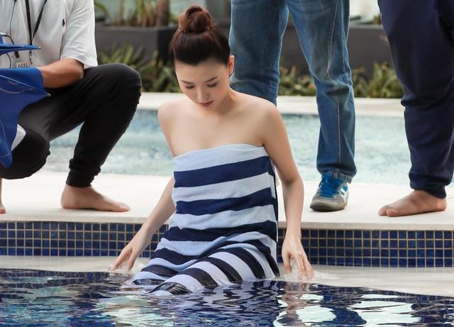 Ngọc Duyên sinh năm 1993, cô vốn được đào tạo bài bản (Cô tốt nghiệp trường ĐH Sân khấu & Điện ảnh) và là một người mẫu. Cô giành danh hiệu Nữ hoàng sắc đẹp toàn cầu 2016, tốt nghiệp Đại học và trở thành MC truyền hình, tham gia đóng phim, là đại sứ Olympic mùa đông 2018…