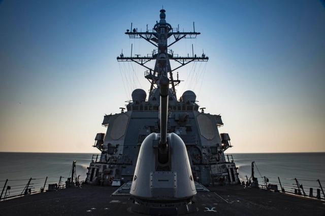 Tàu khu trục USS Carney của Hải quân Mỹ trên Địa Trung Hải (Ảnh: US Navy)