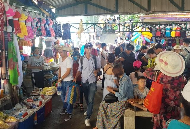 Du khách Trung Quốc tại Nha Trang, Khánh Hòa trong những ngày đầu tháng 8/2018