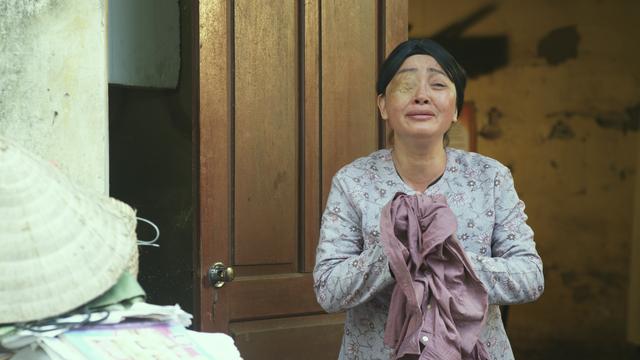Nghệ sĩ Trà My vào vai người mẹ một mắt bị con cái đối xử tệ bạc.