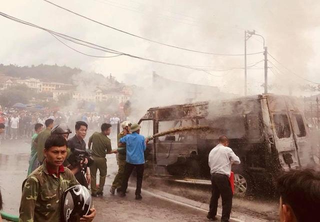 Dập lửa bằng xe... hút bể phốt.