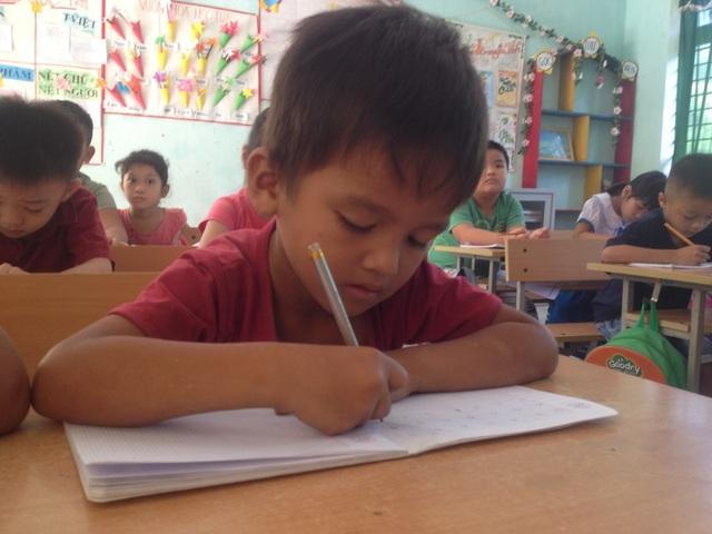 Học sinh người dân tộc thiểu số được tập nói tiếng Việt sẽ tiếp thu kiến thức tốt hơn khi vào lớp 1