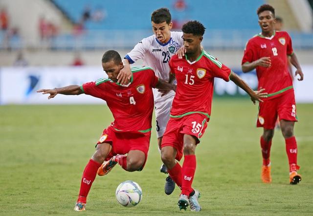 Oman thi đấu khá nhạt nhoà trong trận ra quân gặp Uzbekistan (ảnh: Gia Hưng)