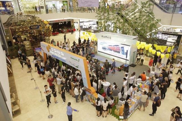 Rất đông khán giả tập trung tại sự kiện để tìm hiểu thông tin du lịch Tân Đài Bắc và nhận những phần quà hấp dẫn