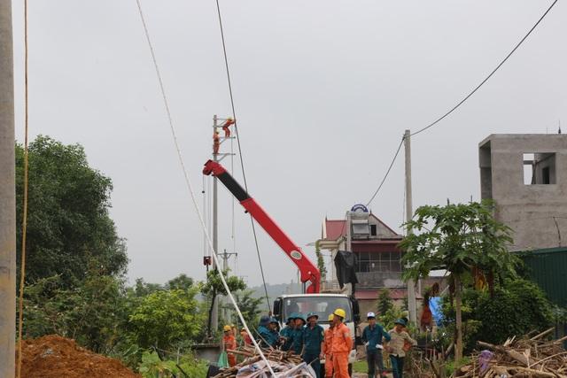 Công ty Điện lực Phú Thọ đến nay cơ bản đã khắc phục xong các sự cố do hoàn lưu bão số 3 gây ra