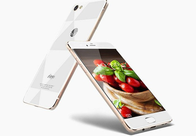 3. Jindallae 3 là một trong những mẫu điện thoại thông minh mới nhất tại Triều Tiên (có tên gọi khác là 'Azalea 3' bằng tiếng Anh), phát hành tháng 6/2017.