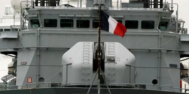 Tàu trinh sát Prairial là một trong số nhiều tàu quân sự của Pháp từng tới Biển Đông (Ảnh: Robert Ng)