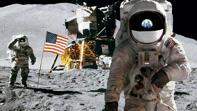 NASA công bố băng ghi âm về cuộc đổ bộ lên Mặt Trăng - 1