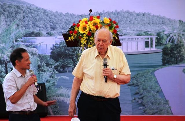 GS. Jerome Friendman, giải Nobel Vật lý năm 1990 (MIT, Mỹ) chia sẻ tại lễ khởi công khách sạn Vì khoa học.