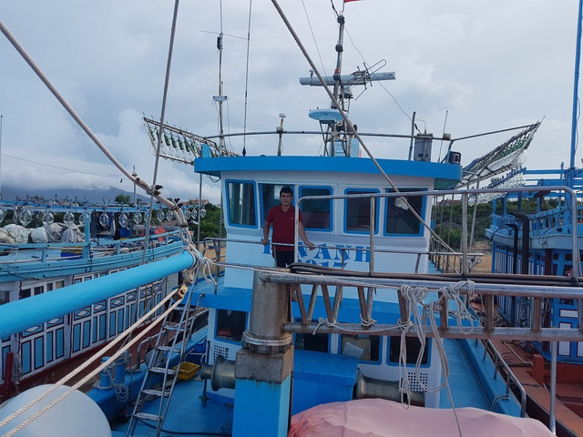 Con tàu đóng bằng vật liệu composite với trị giá hơn 17 tỷ đồng của ngư dân Tấn Anh