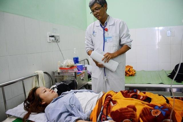 Cô Nguyễn Thị Xuân Mai lúc đang điều trị tại bệnh viện