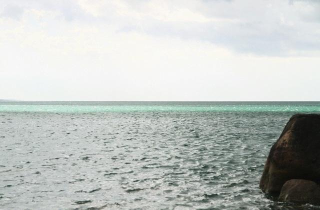 Thừa Thiên Huế: Đẹp kỳ ảo dòng biển màu xanh ngọc - 2