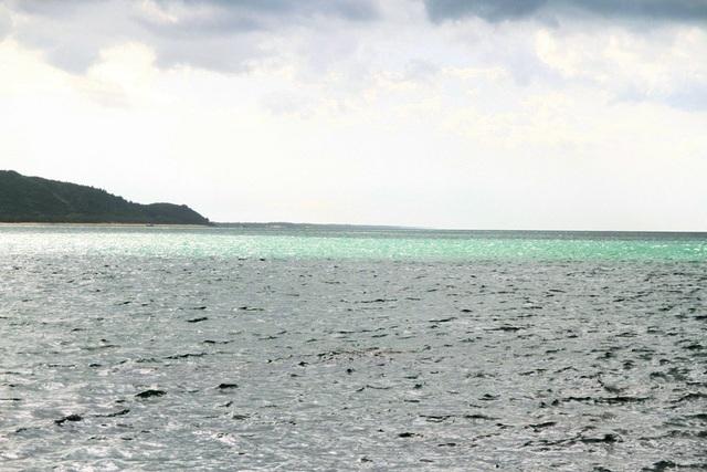 Dòng biển xanh ngọc tuyệt đẹp