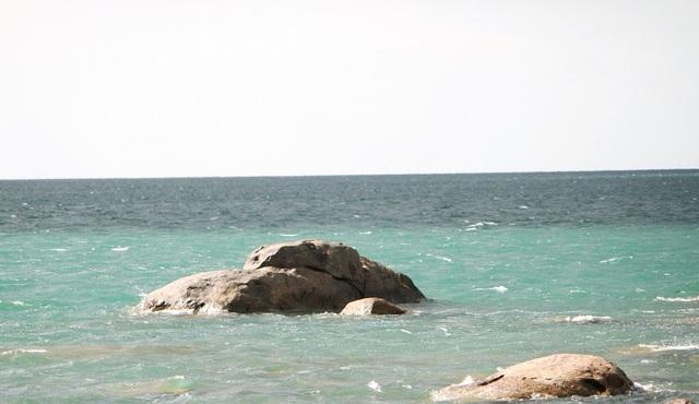 Thừa Thiên Huế: Đẹp kỳ ảo dòng biển màu xanh ngọc - 10