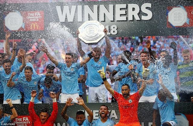 Các cầu thủ Man City thực sự rạng rỡ với thành công đầu tiên của mùa giải.