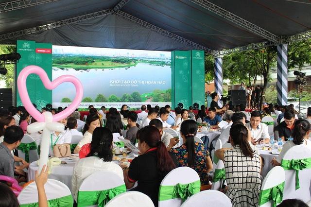 """Gần 300 khách hàng tham dự chương trình """"Mở bán chính thức liền kề Dahlia Homes – Gamuda Gardens"""""""
