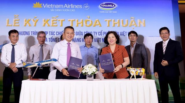 Các sản phẩm của Vinamilk sẽ xuất hiện với bao bì được thiết kế riêng mang hình ảnh đồng thương hiệu trên các chuyến bay của Vietnam Airlines xuất phát từ Việt Nam
