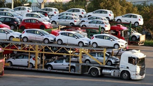 Xe con giá rẻ đang có doanh số bán tốt hơn xe đắt tiền