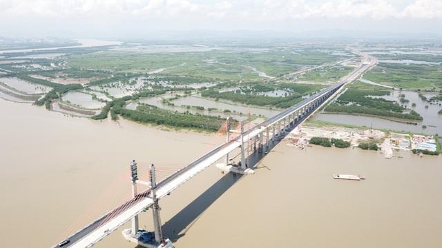 Cầu Bạch Đằng xác định là cây cầu mang ý nghĩa lịch sử, gắn liền với dòng sông Bạch Đằng.
