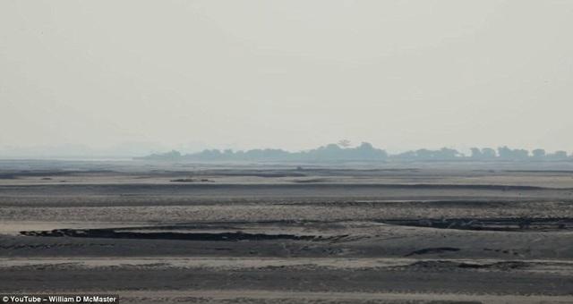 Ban đầu, hòn đảo Majuli là nơi thường xuyên diễn ra hiện tượng xói mòn đất đai.