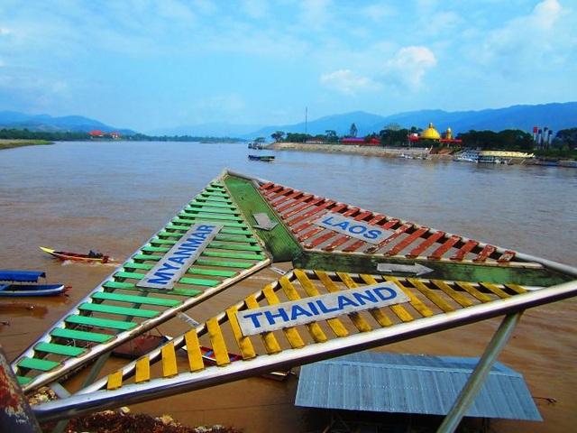 Tam giác vàng giữa Thái Lan, Myanmar và Lào.