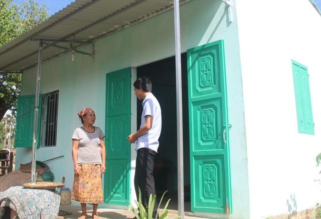 Nhiều gia đình có hoàn cảnh khó khăn như bà Phai đã được đón nhận món quà ý nghĩa của Thủ tướng trao tặng