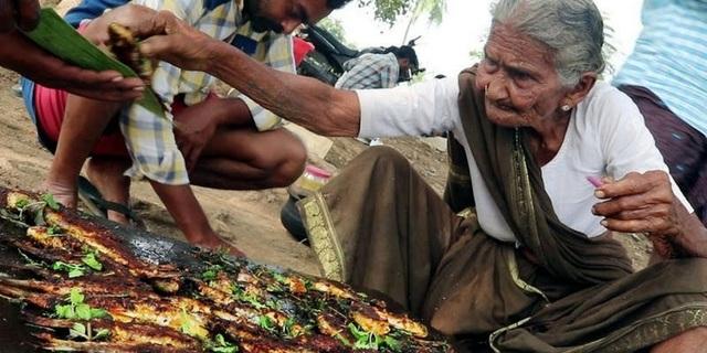 """Cụ bà Ấn Độ 106 tuổi vẫn trở thành ngôi sao của """"thế giới ảo"""" - 1"""