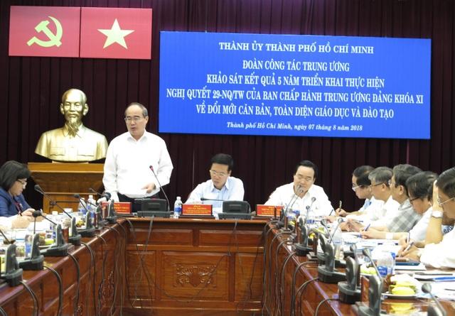 Ông Nguyễn Thiện Nhân, Bí thư Thành uỷ TPHCM cũng rằng cho dân số không ngừng tăng nên quy mô giáo dục tăng hàng năm rất lớn