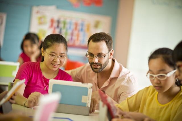 Kỹ năng công nghệ là một trong những kỹ năng nên được phát triển cho trẻ.