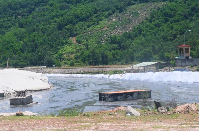 Các đầm lầy bùn nhân tạo ở cảng Chân Mây hiện tại