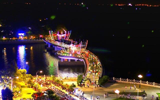 Lễ khai mạc ngày hội sẽ diễn ra lúc 18h30 ngày 10/8 tại cầu đi bộ - công viên Ninh Kiều.