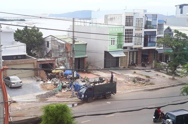 Cử tri có nhà trên đường Đống Đa, phường Thị Nại cho rằng việc áp giá đền bù chưa công bằng.