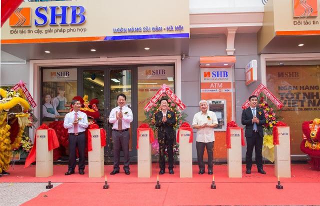 Không ngừng nâng cao chất lượng dịch vụ, SHB khai trương chi nhánh mới tại Vĩnh Long - 1
