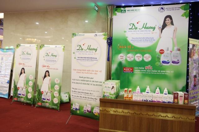 Nhãn hàng Dạ Hương hân hạnh được đồng hành với các y bác sĩ tại hội nghị