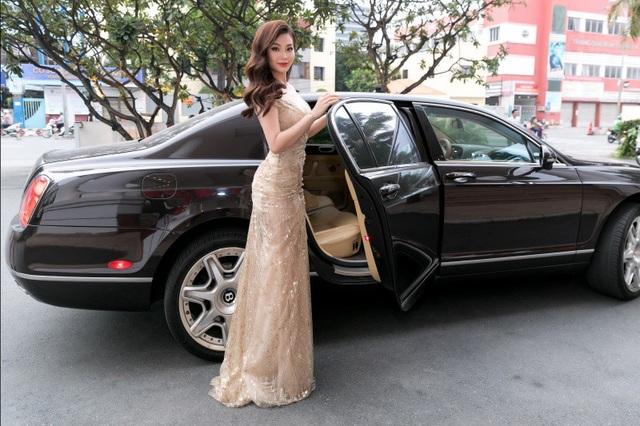 Sau gần 1 năm trở lại showbiz, không chỉ vóc dáng mà thần thái của nàng Á hậu ngày càng thu hút. Diễm Trang được chồng doanh nhân hoàn toàn ủng hộ quyết định theo đuổi đam mê riêng của mình.