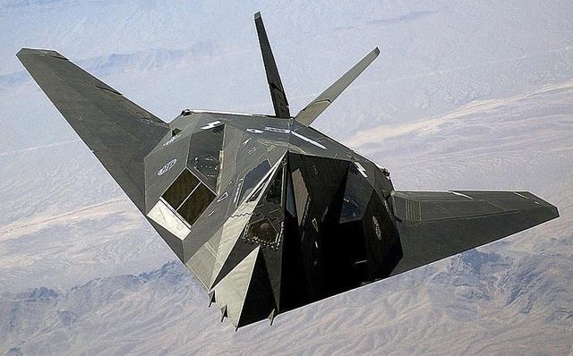 Máy bay ném bom chiến thuật tàng hình F-117 Nighthawk (Ảnh: Tuku.military.china)
