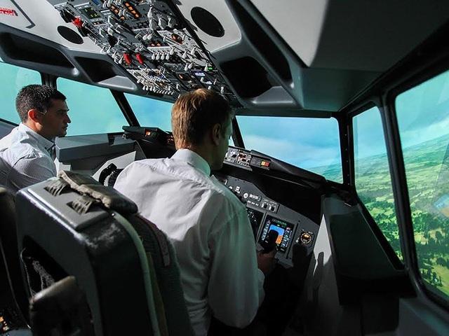 Các phi công được đào tạo kỹ lưỡng, tiêu chuẩn sức khỏe, trí lực gắt gao. Ảnh: INTERNET