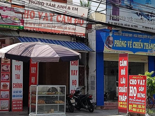 Cửa tiệm họ góp mọc lên như nấm sau mưa.