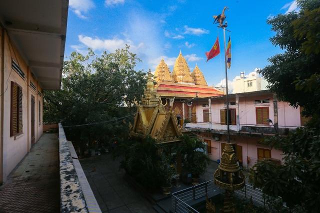Độc đáo ngôi chùa kiến trúc Khmer đầu tiên ở Sài Gòn - 13