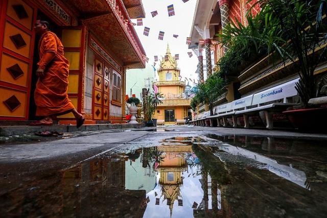 Độc đáo ngôi chùa kiến trúc Khmer đầu tiên ở Sài Gòn - 12