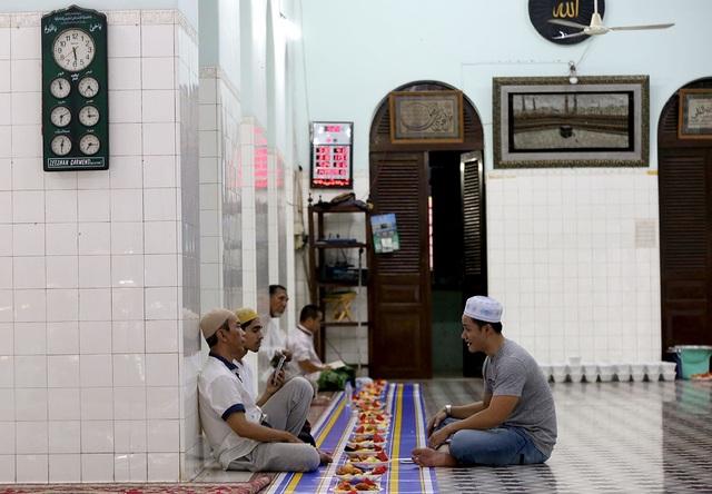 Thánh Đường Hồi giáo gần 1 thế kỷ giữa Sài Gòn - 13