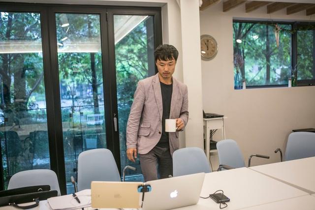 Kang Min làm việc trong ngành thiết kế website (Ảnh: Washington Post)