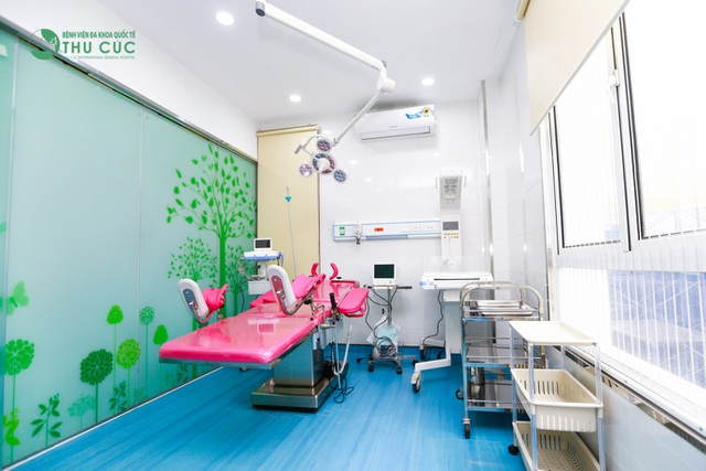 Phòng sinh được thiết kế sinh động và bắt mắt giúp mẹ vượt qua cảm giác lo sợ khi vượt cạn