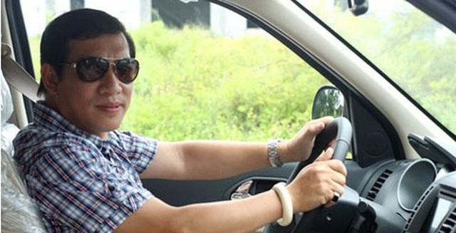 Khi cuộc sống bớt phần cực nhọc, Quang Thắng tích cóp mua được một chiếc xe hơi nhưng cũng chẳng dám lạm dụng.